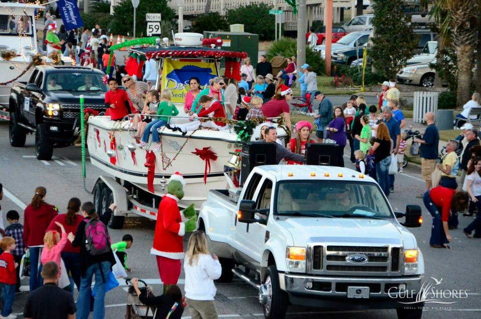 parade floats going down highway 59